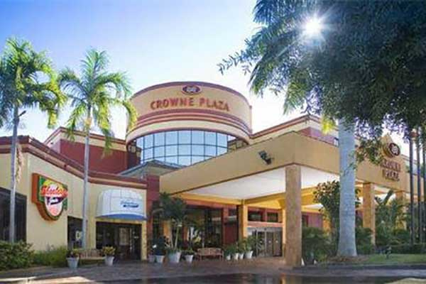 boka hotell Fort Myers. Crowne Plaza Hotel