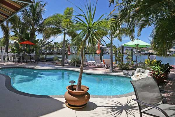 boka hotell Fort Myers. Manatee Bay Inn Hotel